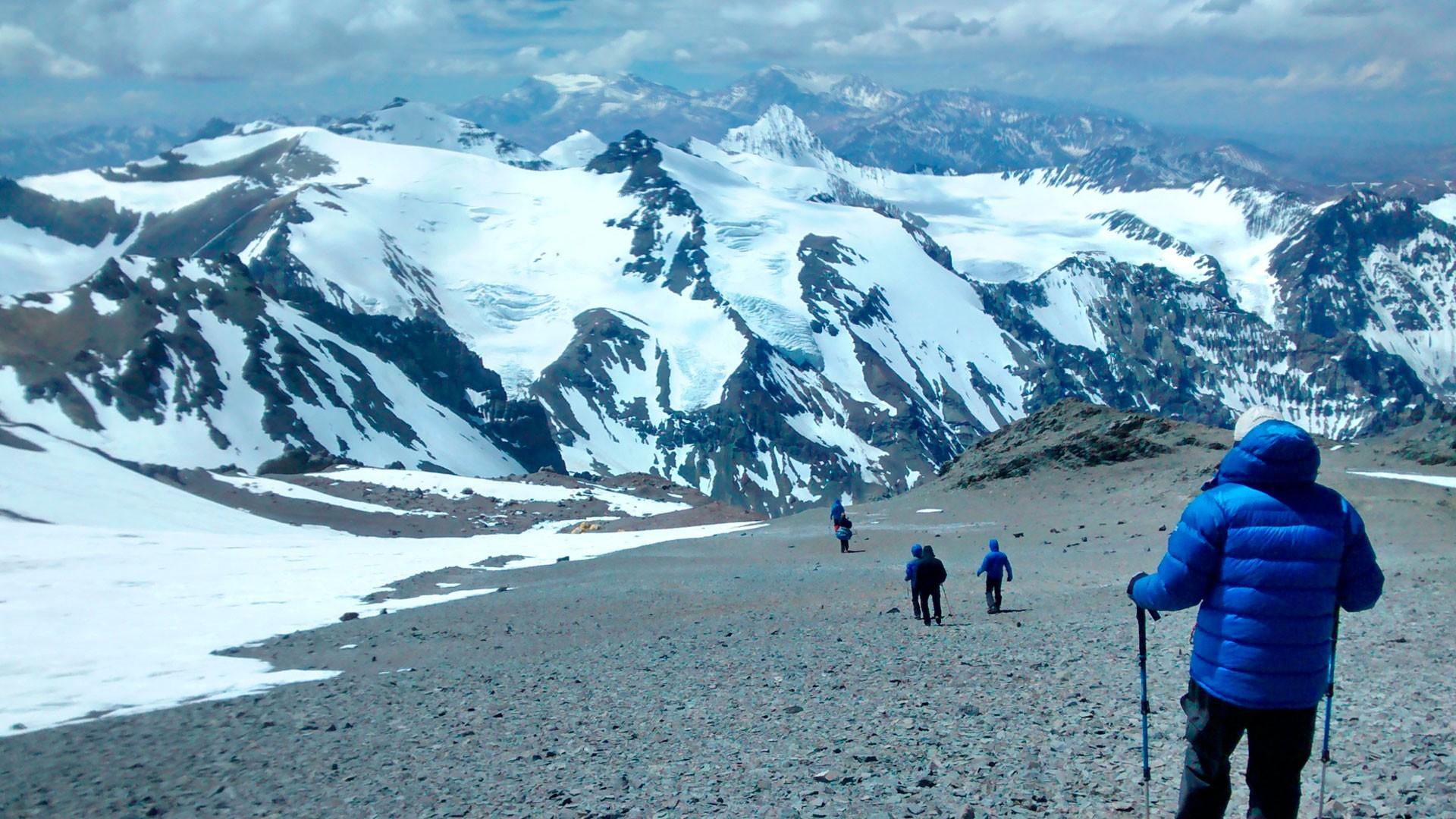 Treking-Cordillera-de-los-Andes01